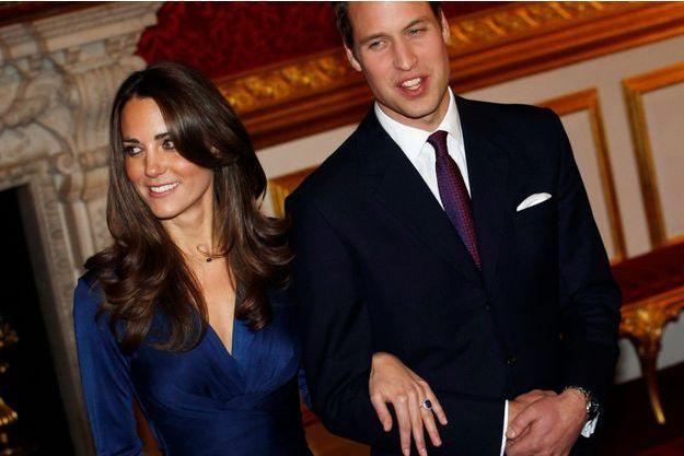 Kate et William annoncent leurs fiançailles, le 16 novembre 2010.