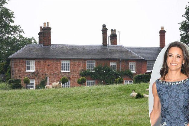 Le manoir de Carole et Michael Middleton à Bucklebury en 2012. En vignette : Pippa Middleton le 4 mai 2017