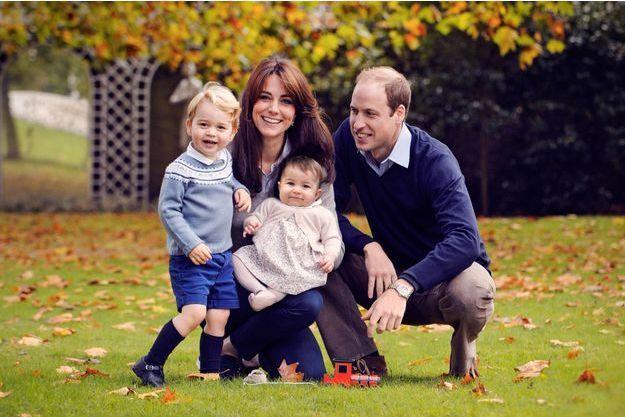 Le duc et la duchesse de Cambridge avec leurs enfants, en octobre 2015