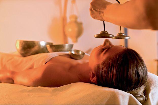 Le kansu, bol tibétain de massage, est constitué d'un alliage de métaux qui harmonise les méridiens pour apporter une relaxation totale.