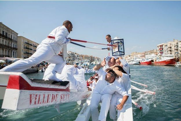 A Sète, la traditionnelle joute nautique.