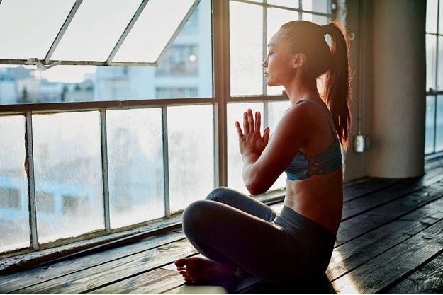Les 7 piliers de la méditation: La simplicité. La présence corporelle. La respiration. La présence mentale. La bienveillance. Vivre au présent. Se sentir vivant.
