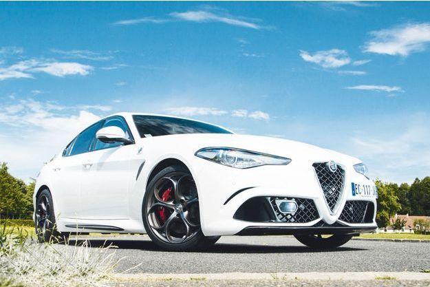 «Cette Alfa a de la gueule. J'aime beaucoup l'ergonomie des sièges et la présentation intérieure.  Le moteur est au top, la boîte également, mais j'aurais aimé plus de sonorité», souligne Fabien Pierlot.