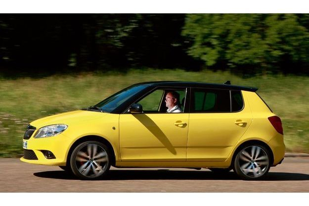 « Plaisante à regarder et sympathique à conduire », le champion breton ne tarit pas d'éloges sur la nouvelle Fabia RS sur laquelle il constate les remarquables progrès accomplis par Skoda depuis que la marque est entrée dans le giron Volkswagen