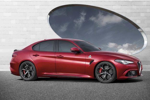 Première des huit nouveautés annoncées en quatre ans, la Giulia compte propulser Alfa vers son objectif de 400000 ventes à l'horizon 2019. Rappel: la marque en a écoulé moins de 70000 l'an passé.