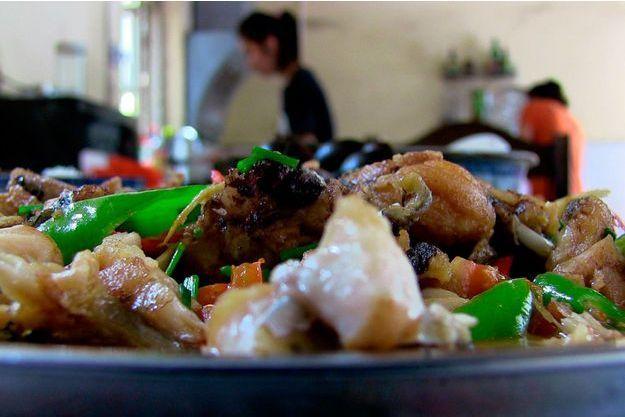 Un des plats dégustés en Chine par Marine et Louis.