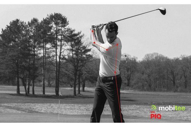 Le capteur mesure la distance, la vitesse, la hauteur, l'accélération, l'amplitude et la trajectoire des coups du golfeur.
