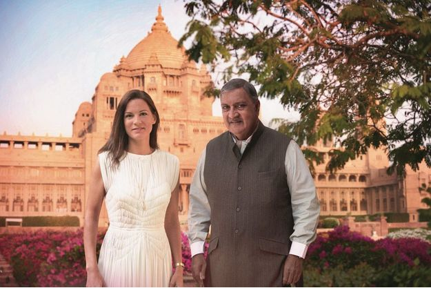Claire Choisne, directrice artistique de Boucheron, avec le maharadjah de Jodhpur, en Inde.