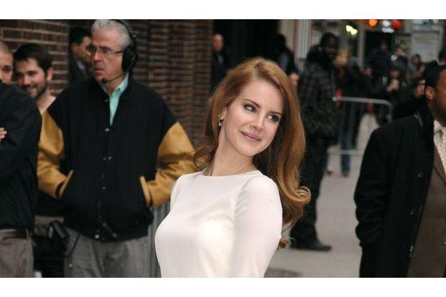 Lana Del Rey prête son nom à un sac Mulberry