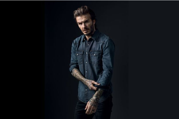 David Beckham porte le modèle Tudor Heritage Black Bay S&G en acier et or rose. Une montre de plongée étanche à 200 mètres, de 41 mm de diamètre et animée d'un mouvement automatique. 4 690 €.