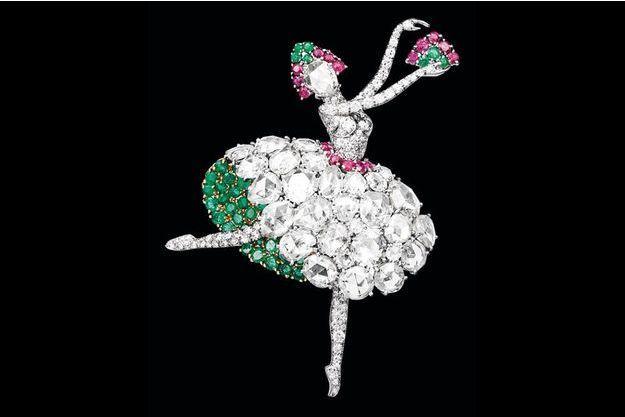 Jusqu'au au 10 janvier 2018, la boutique Van Cleef & Arpels du 20 place Vendôme accueille l'exposition Précieuses Ballerine