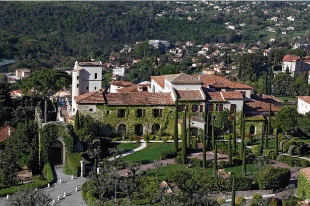 Le château Saint-Martin, un vrai coin de paradis de 14 hectares plantés de 300 oliviers centenaires.