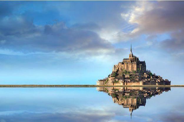 Le Mont Saint-Michel rendu à la mer.