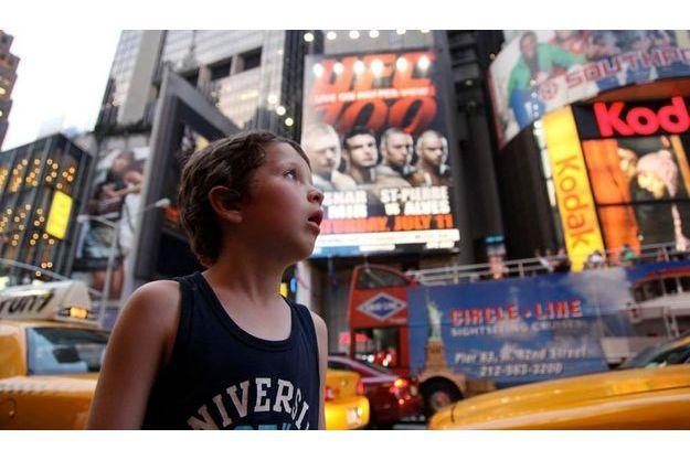 Pierre sous le charme de Times Square.