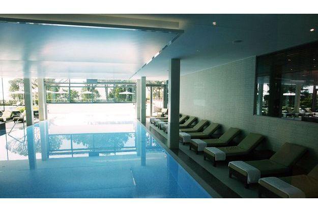 La piscine de l'hôtel Beau Rivage, à Lausanne.