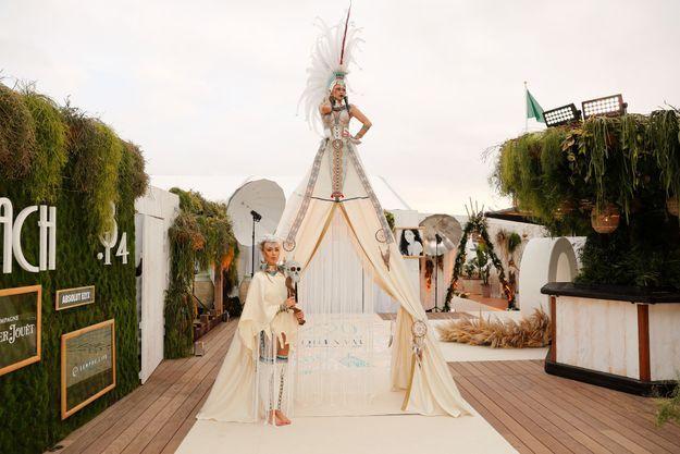Avec Cathy Nikki À Ans Guetta Fête Beach Cannes 20 Ses jL5R34Aq