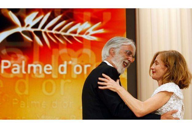Michael Haneke avec la présidente du jury Isabelle Huppert, qu'il a dirigée dans deux de ses films.