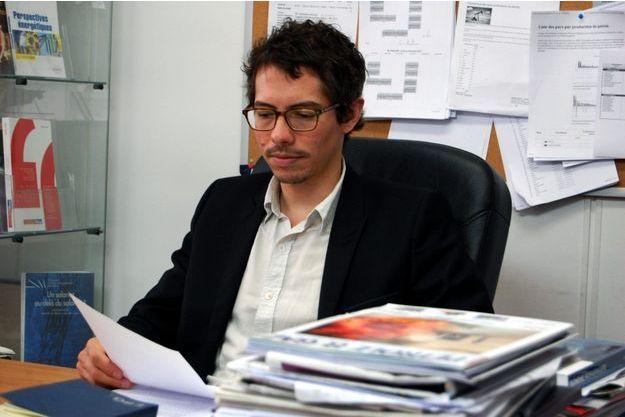 L'économiste Thomas Porcher conteste l'intérêt économique de l'exploitation des gaz de schiste.