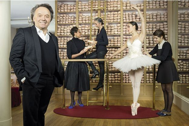 En quinze ans, Jean-Marc Gaucher a fait de la danse une tendance et transformé les chaussons de Rose Repetto en un phénomène mondial. L'atelier du 22, rue de la Paix est devenu sa boutique phare. La marque, ancrée dans l'univers du ballet, s'est diversifiée, ouverte à l'international et a rajeuni grâce à l'œil des stylistes en vogue. L'usine historique de Dordogne produit maintenant 2 000 paires de ballerines par jour et toutes les chaussures plates.