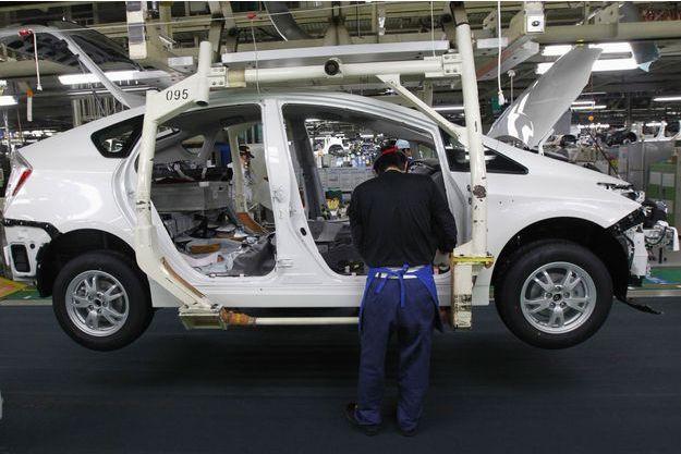La chaîne de production de la Toyota Prius, dans l'usine de Tsutsumi, au Japon, en 2011.