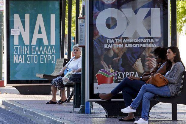 """""""Oui"""" ? """"Non"""" ? Le référendum grec de dimanche est une première depuis 40 ans."""