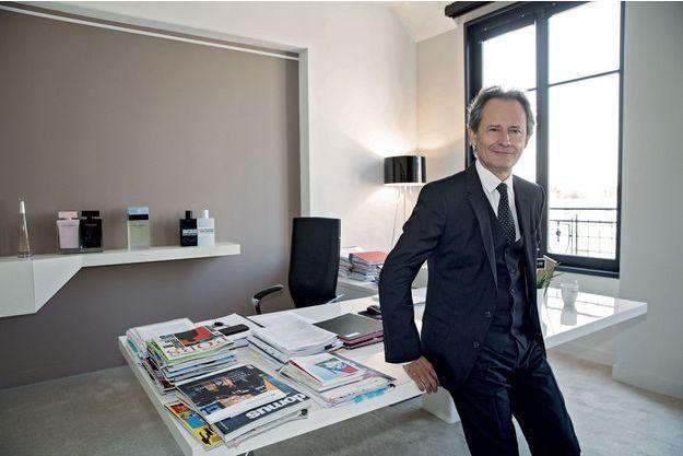 Franck Marilly, le P-DG Shiseido Europe Moyen- Orient Afrique, dans son bureau, à Paris, le 26 juillet.