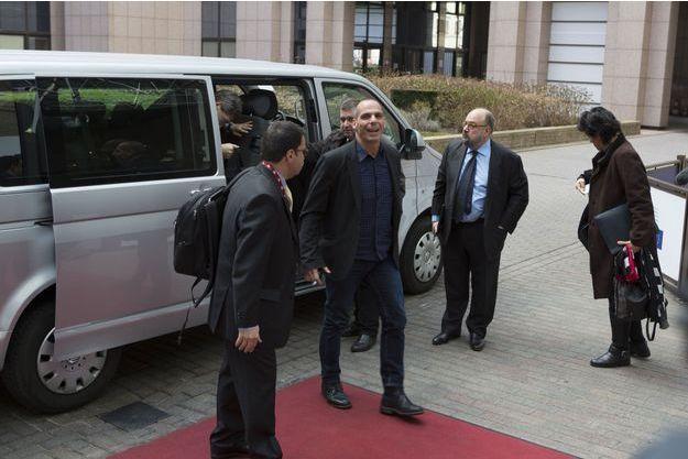 Yanis Varoufakis à son arrivée à Bruxelles, lundi.