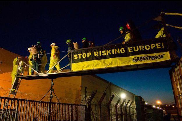 Les militants se sont introduits dans la centrale peu avant 6 heures du matin, mardi.