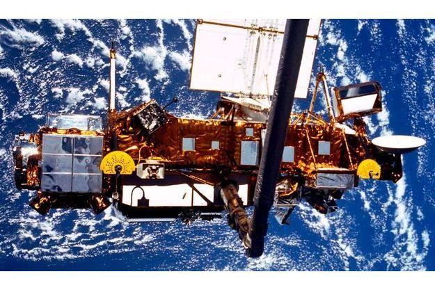 Le satellite UARS, quelques heures après son lancement, en 1991.