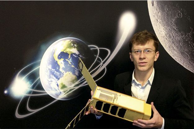 A 29 ans, Stanislaw a été élu par le prestigieux MIT un des innovateurs de moins de 35 ans les plus prometteurs. Il a dans les mains son dernier-né: NovaSat.