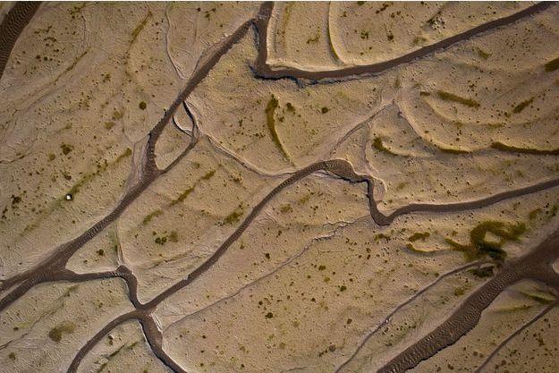 Vue aérienne du lac des Brenets, à la frontière entre la Suisse et la France, en septembre dernier, lorsqu'une forte sécheresse a frappé le Doubs.