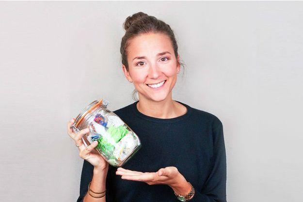 Hélène De Vestele, ancienne consultante en stratégie, génère moins d'un bocal de déchets annuels.