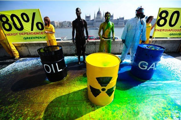 Des militants de Greenpeace.