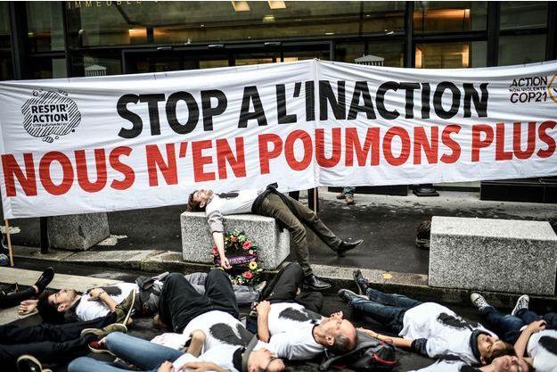 Photo d'illustration prise à Paris lors d'une manifestation contre l'inaction climatique.