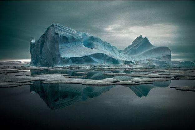 Baie de Qaanaaq, dans le nord du Groenland, le 19 juin 2010. Deux décennies plus tôt, à la même date, ce site était encore gelé.
