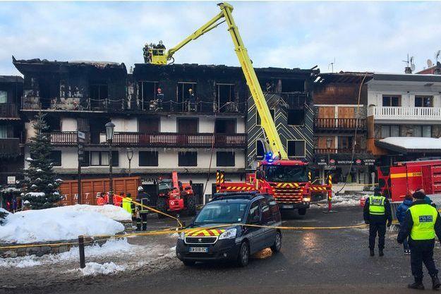 L'hôtel à Courchevel ravagé par les flammes.
