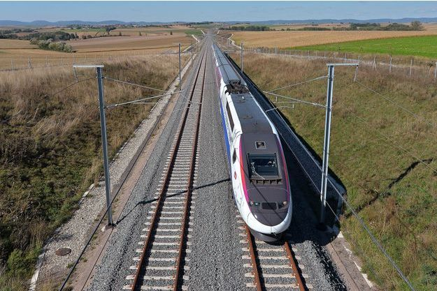 Un TGV dans le Bas-Rhin, en septembre 2015. (photo d'illustration)
