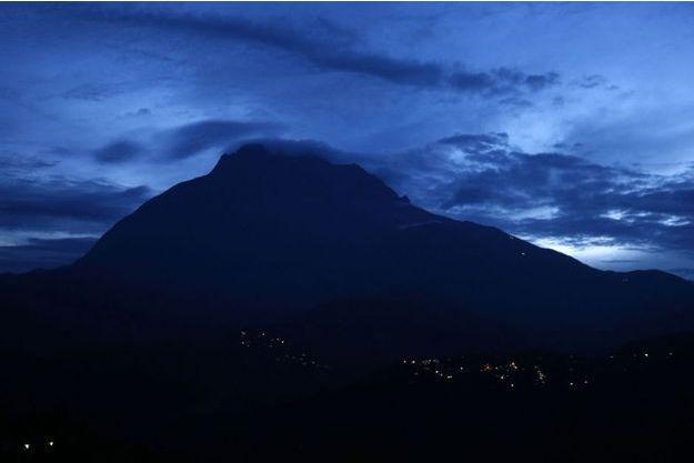 Le mont sacré Kinabalu