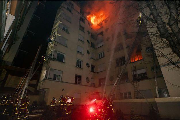 L'incendie de l'immeuble du 17bis rue Erlanger, à Paris.