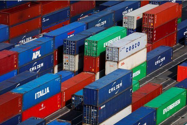 Des conteneurs dans le port du Havre.