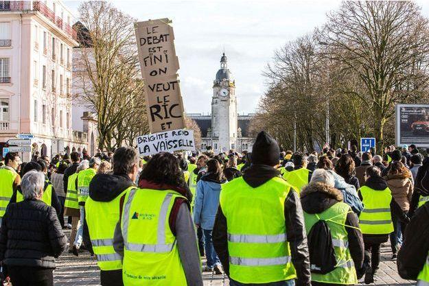 """Des """"gilets jaunes"""" à La Rochelle (image d'illustration)."""