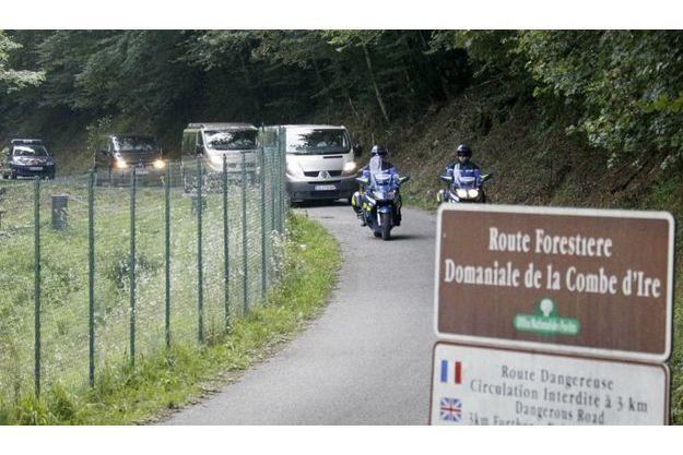 C'est sur cette petite route, située non loin d'Annecy, qu'avaient été retrouvées les victimes.