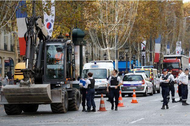 L'enfant est mort écrasé par un engin de chantier sur les Champs-Élysées.