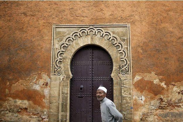 Une rue de Rabat, la capitale du Maroc.