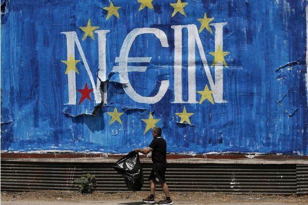 """""""Nein"""", non en allemand s'affiche sur un mur d'Athènes à quelques jours du référendum sur les propositions des créditeurs de la Grèce."""