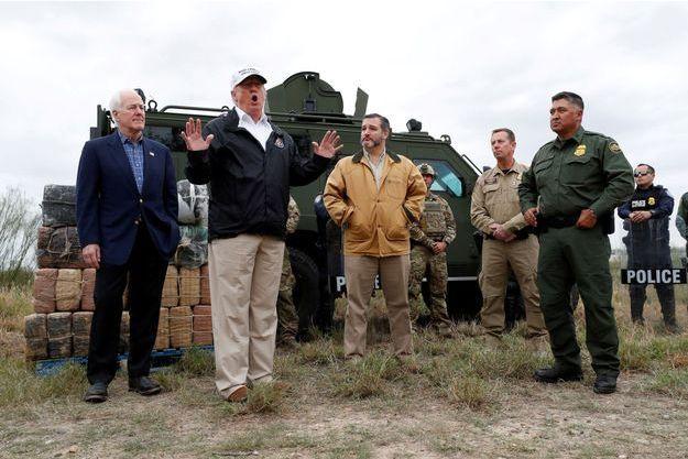 Donald Trump jeudi à la frontière mexicaine.