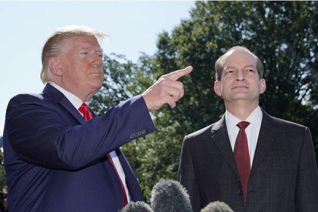 Donald Trump et Alexander Acosta.