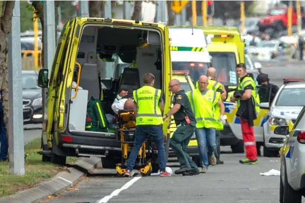 L'attaque contre deux mosquées a fait au moins 40 morts en Nouvelle-Zélande.