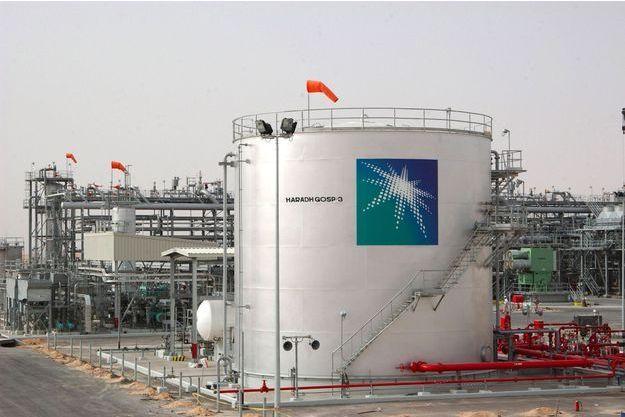 Une installation pétrolière à Harad, à 285 kilomètres de Riyad en Arabie saoudite, en 2006. (photo d'illustration)