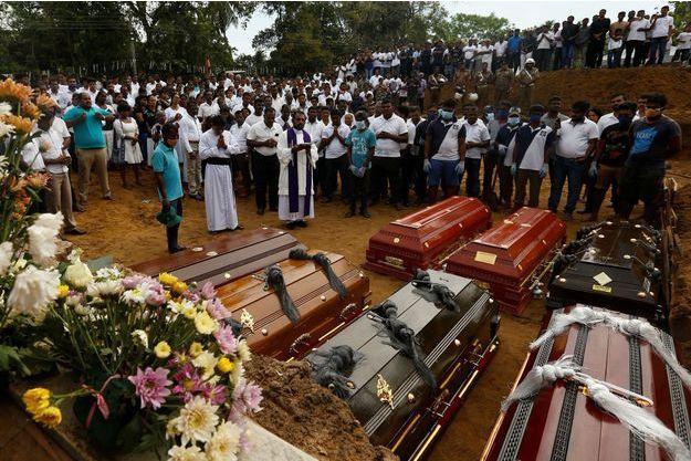 Le bilan des attentats au Sri Lanka grimpe encore.